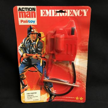 VINTAGE ACTION MAN -  FIRE FIGHTER- EMERGENCY SERIES Still On card (ref 3/5)